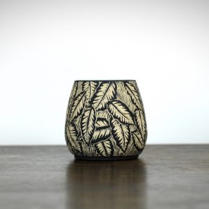 Sgraffito Beech Leaf Pot Medium